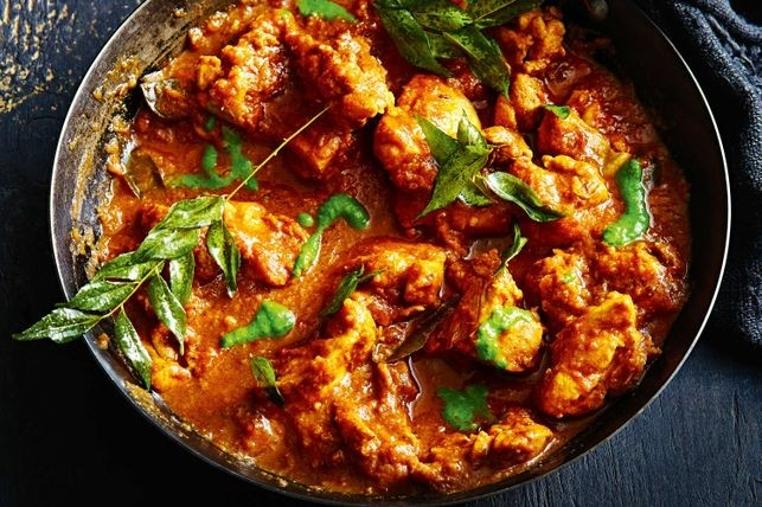 La receta pollo al curry con tamarindo es una opción diferente para consentir a tu familia.