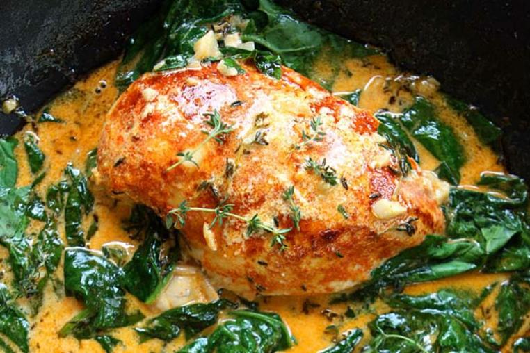 La receta pollo con paprika es ideal para un almuerzo en familia.