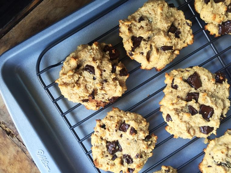 Las galletas de mantequilla de mani sin gluten están lista en 15 minutos.