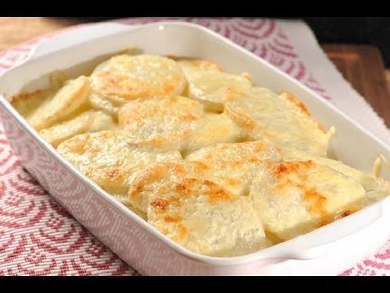 Receta de pastel de papas fácil es ideal para un almuerzo ligero en familia. Es un acompañamiento que está listo en solo una hora.