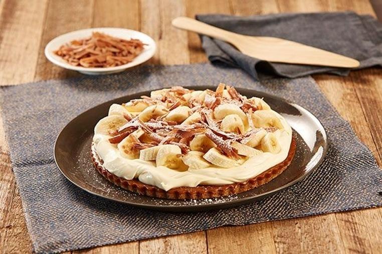 La tarta de banana con caramelo facil es ideal para compartir una merienda en familia.