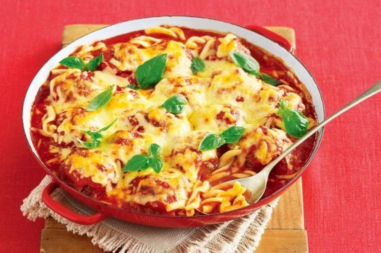 La receta de pasta con albondigas a la italiana es deliciosa.