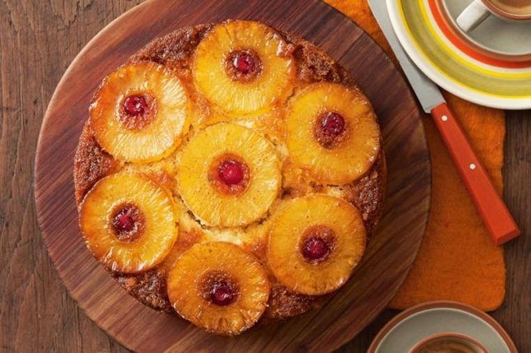 La receta de pastel de piña al reves es tradicional y rica.