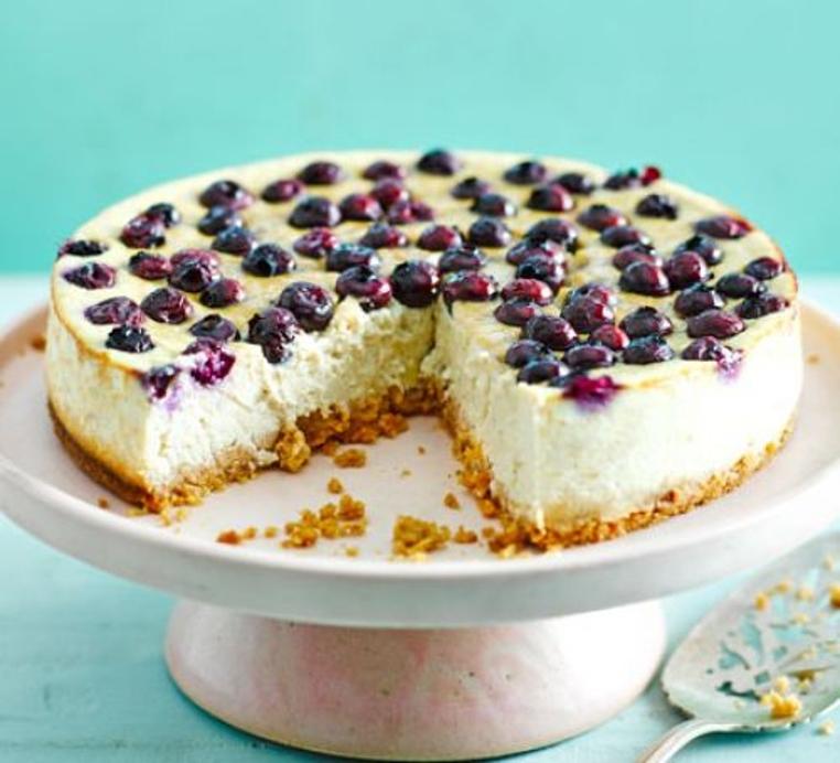 La cheesecake con arandanos light es perfecta para cuidar tu dieta y salud.