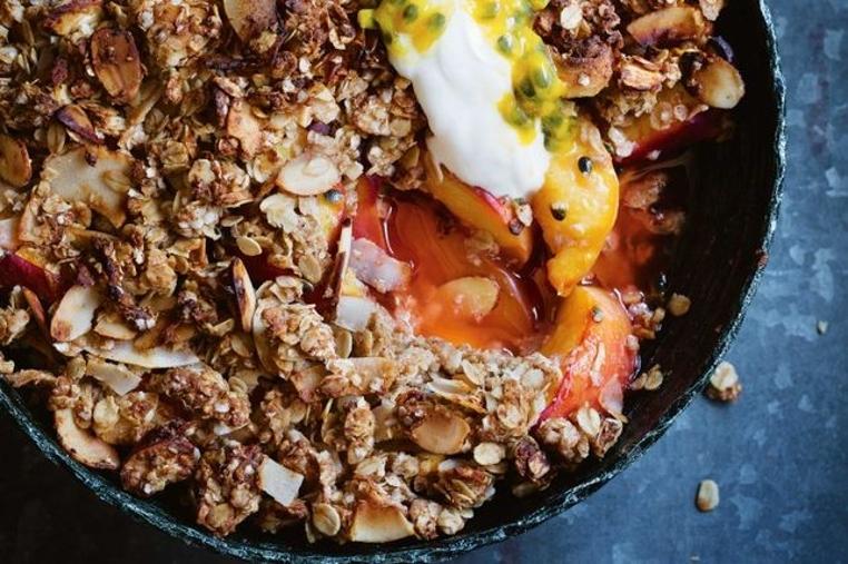 El receta de Crumble de meloconton es perfecto para compartir en familia.