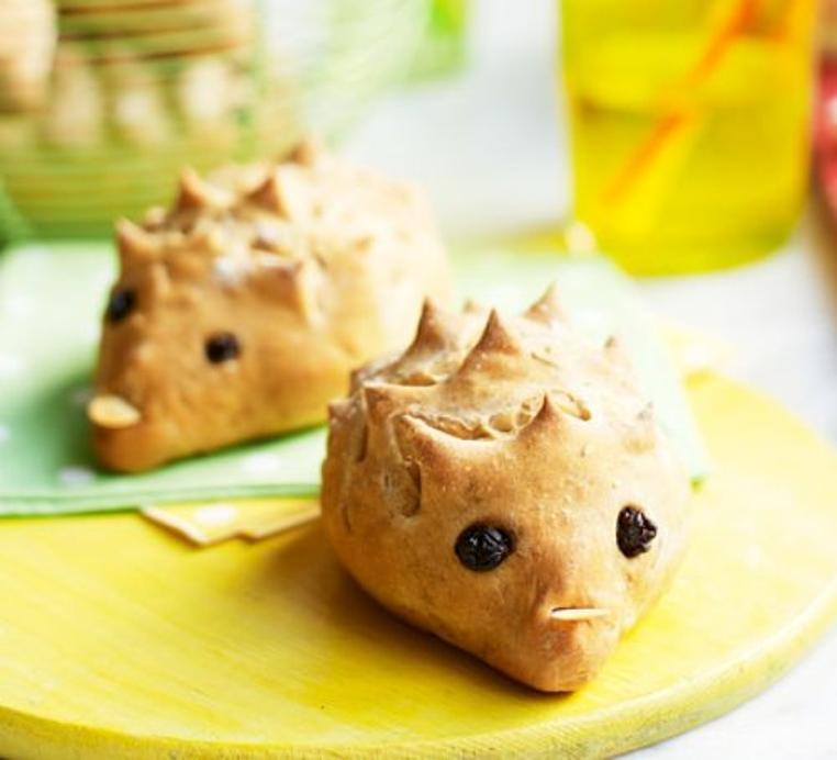 El pan de formas para niños es divertido y rico.