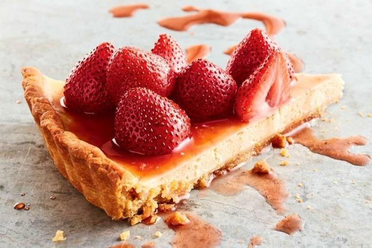 La tarta de queso ricotta y fresas es perfecta para una tarde de café.