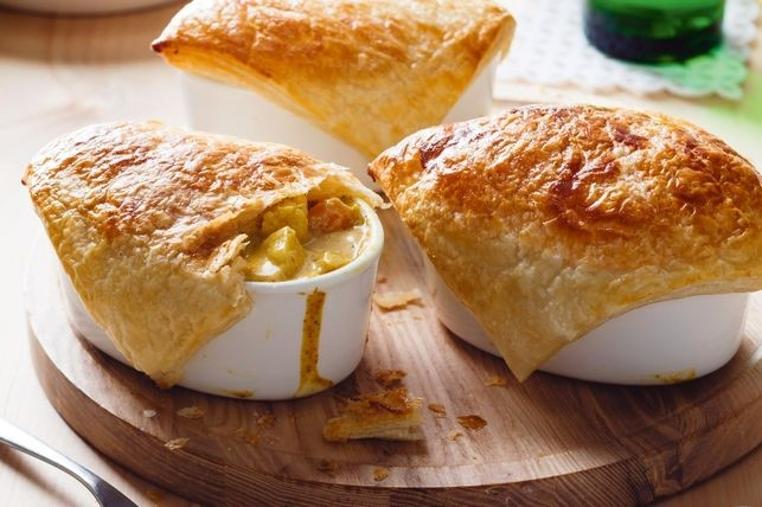 La receta de pastel de carne con curry es rica y económica.