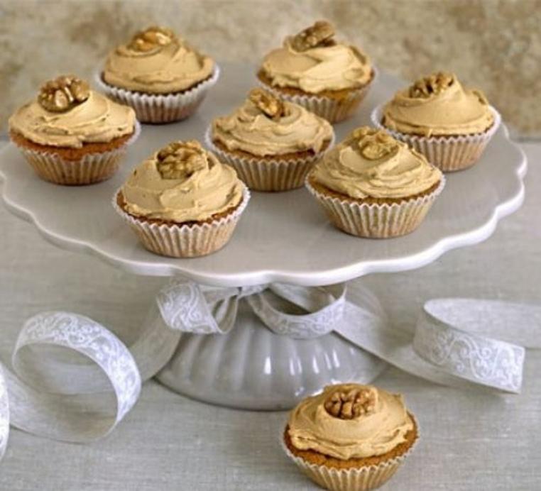 pastelillos con crema de cafe