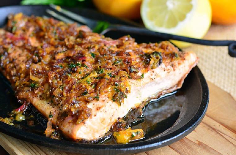 salmon a la plancha con salsa