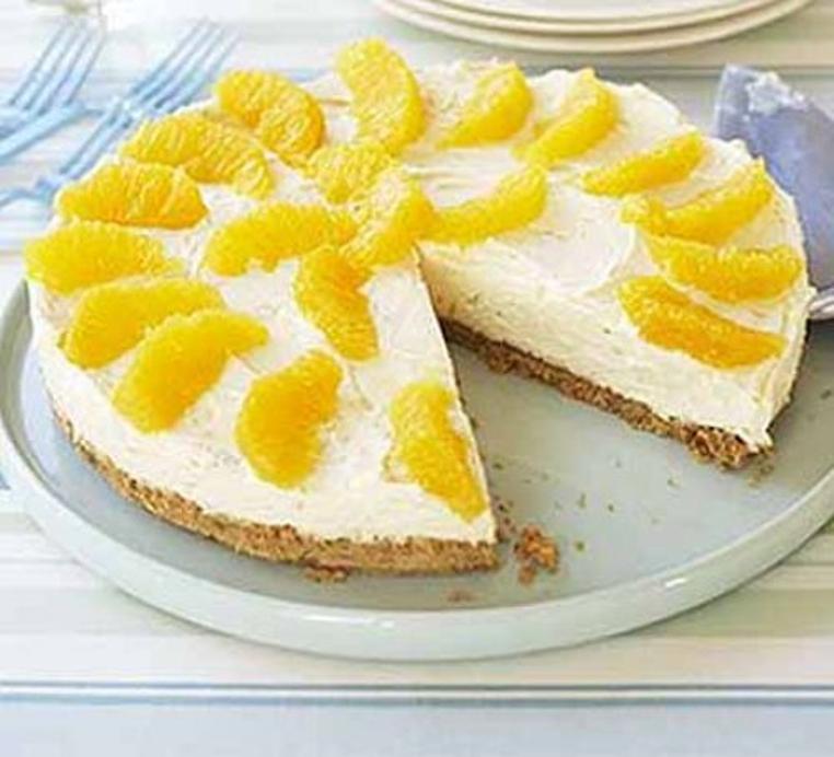 La tarta de queso con naranja es rica y económica.