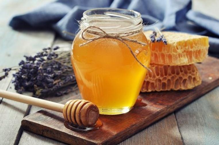 usos de la miel de abeja en la cocina