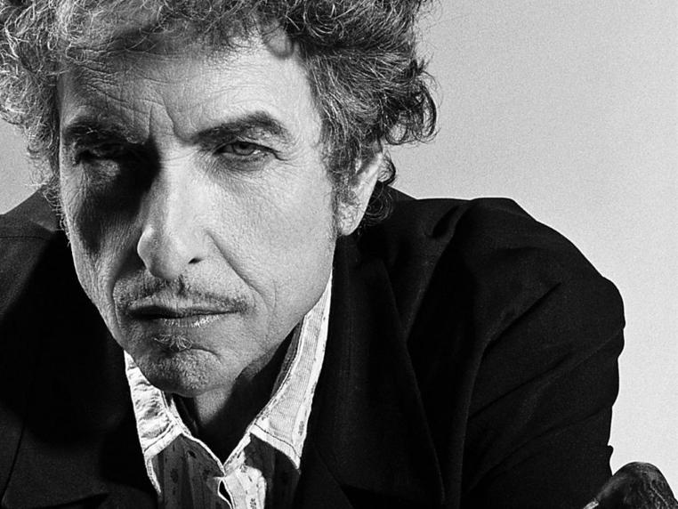 Bob Dylan puede cobrar el Premio Nobel
