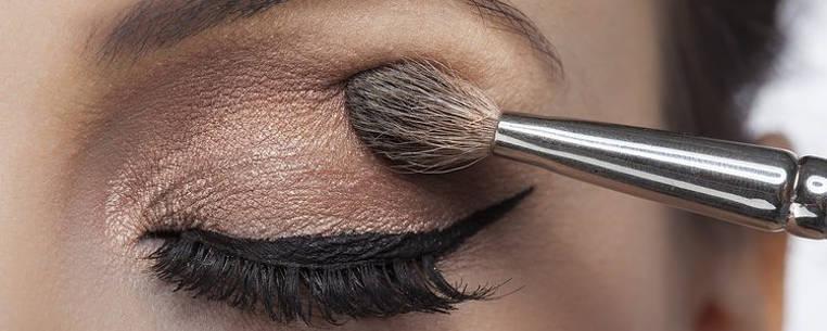 maquillarse los ojos correctamente