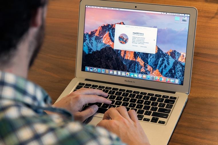 La nueva versión de macOS Sierra de Apple incluye el modo nocturno del iPhone.