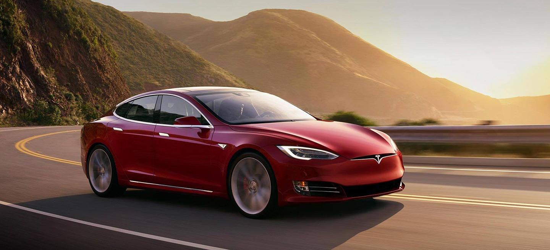 China se ha dispuesto a copiar autos Tesla a bajo precio