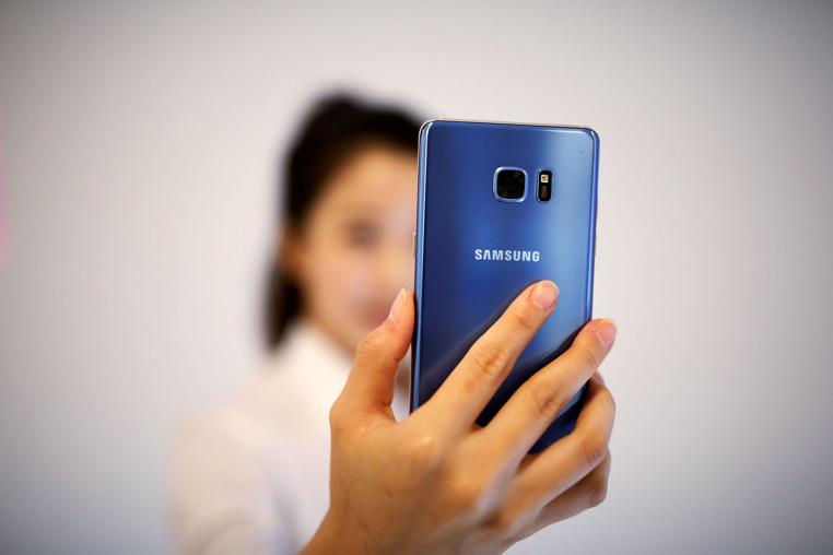 teléfono plegable de Samsung